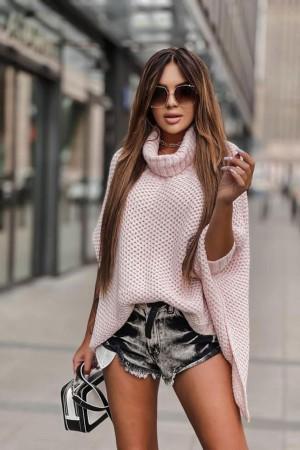 Sweter ponczo z golfem pudrowy róż