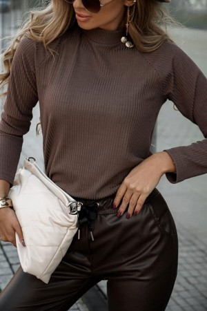 Bluzka golf prążkowany z guzikami brązowy Maya
