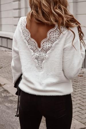 Sweterek beżowy z guzikami na rękawach Claret