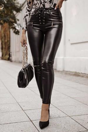 Spodnie woskowane imitacja skóry czarne Largo