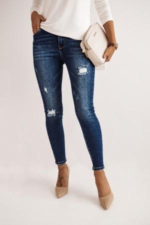 Spodnie jeansowe rurki z przetarciami In Point