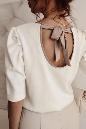 Bluzka z ozdobnym wycięciem i kokardą Simone biała